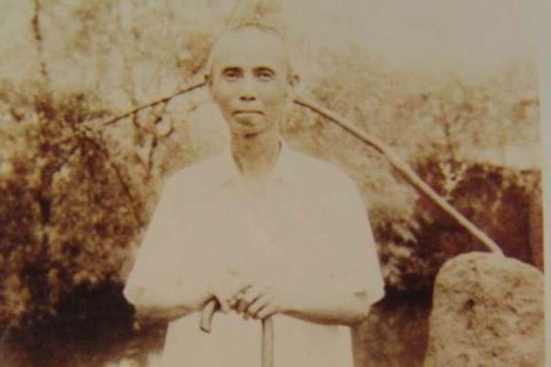 2月12日是「四季紅」作詞人李臨秋逝世42週年紀念。(取自台灣大百科全書)