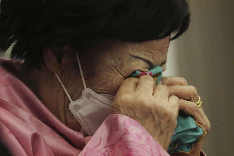 高齡93歲的南韓慰安婦阿嬤李容洙在首爾召開記者會,呼籲日韓政府將慰安婦爭議交由國際法院(ICJ)審理。(美聯社)