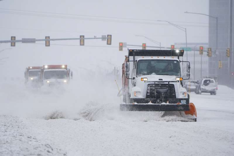 冬季風暴在美國南部肆虐,數百萬人在破紀錄低溫中無電可用。(圖/取自AP)