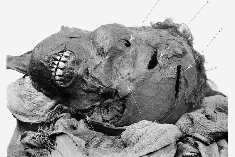 埃及法老陶二世(Seqenenre Tao II)的頭部木乃伊(Public Domain)