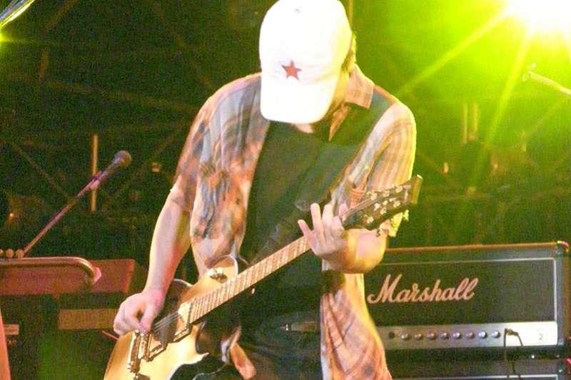 2007年7月8日,台灣貢寮海洋音樂祭,大陸「西北風」代表號之一的崔健壓軸演出。(楊公 - Cui Jian@2007 Hohaiyan∕維基百科)