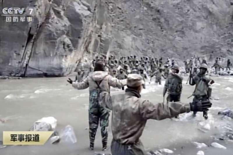 2021年2月19日,中國官方公布2020年中印邊界軍事衝突死傷畫面(AP)