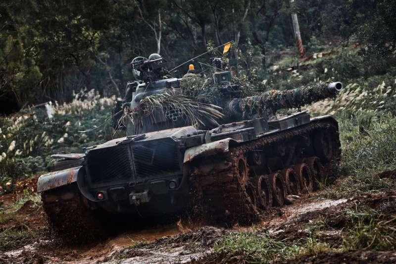 陸軍裝甲542旅戰車排進行訓練。(取自中華民國陸軍臉書)