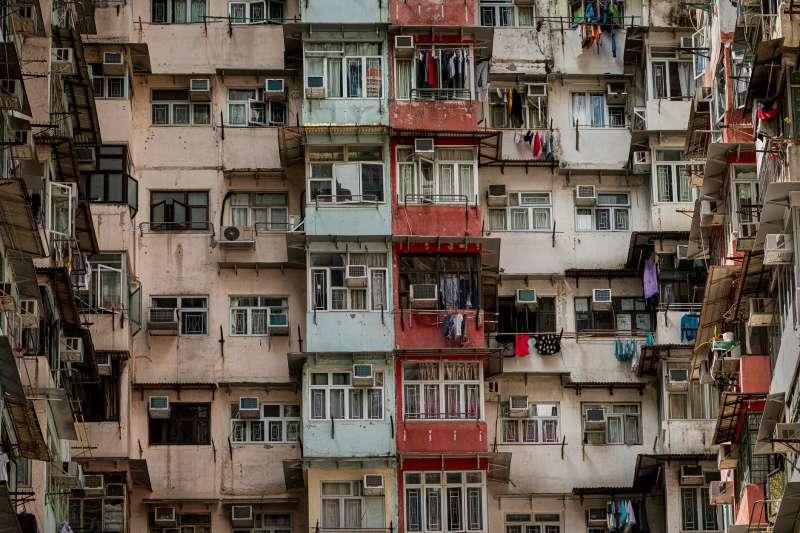一名房客以會照顧房東到死的話語,讓房東將房屋過戶到他名下。(圖/取自Pexels)