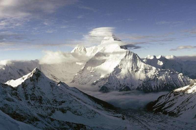 南達德維山靠近印度東北部與中國交界的邊境處,是印度第二高峰。(BBC中文網)