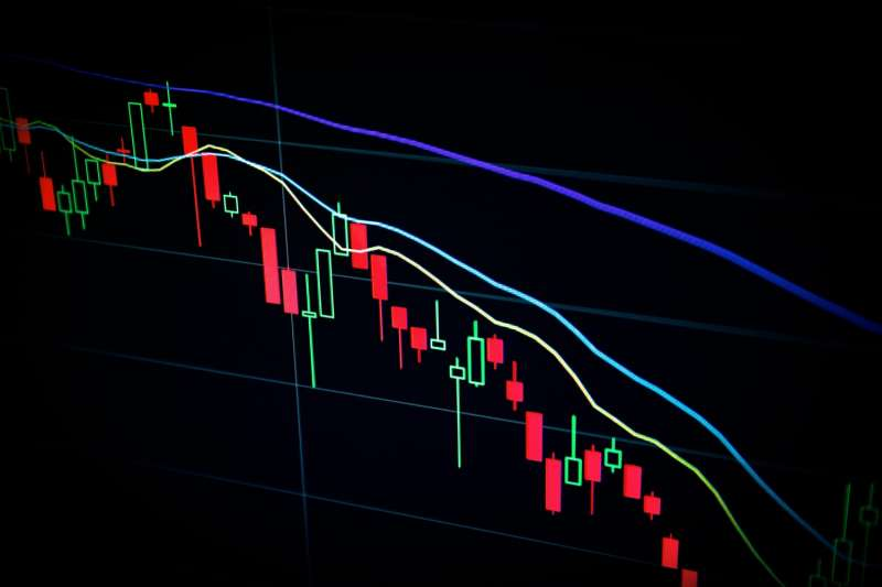 美股電子股整理,台股今天開低震盪,尾盤台積電腳軟再壓低,終場指數收在17202.11點,下跌121.76點。 (圖/unsplash)