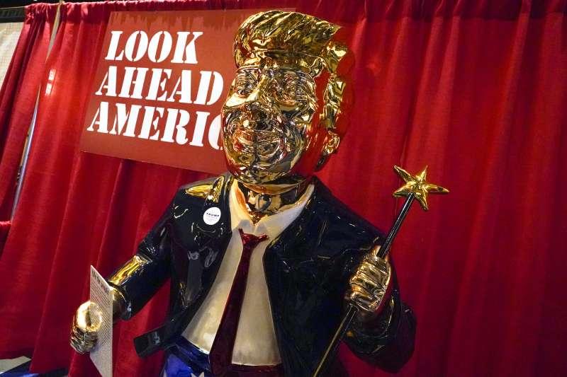2021年2月26日,美國「保守派政治行動大會」(CPAC),川普金身塑像(AP)