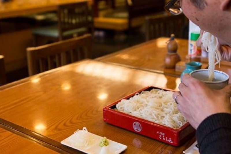 日本人吃麵為何要發聲?(圖/nippon.com)