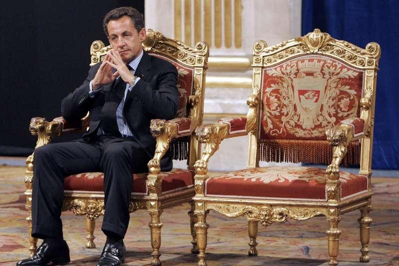 2021年3月1日,法國前總統薩柯齊因行賄法官遭判刑3年。薩科齊為人高調、爭議極多,亦涉入多起貪腐訴訟。(AP)