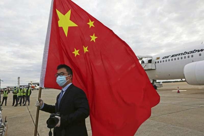 中國疫苗外交。新冠肺炎疫苗。辛巴威獲得中國提供的新冠疫苗。(美聯社)