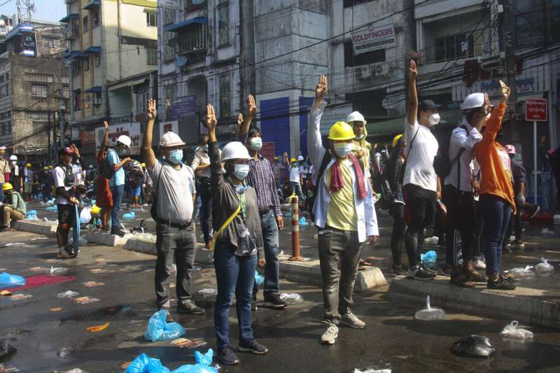 緬甸示威、緬甸鎮壓、緬甸政變。緬甸3月3日迎來政變最血腥的一日,軍警殺害至少38人。(AP)