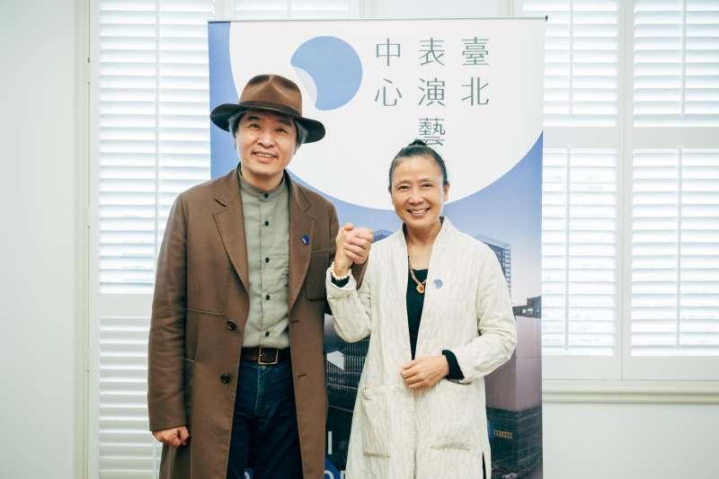 執行長王孟超(左)、董事長劉若瑀(右)希望藉由北藝中心影響年輕藝術家、送他們去打國際盃。(北藝中心提供)