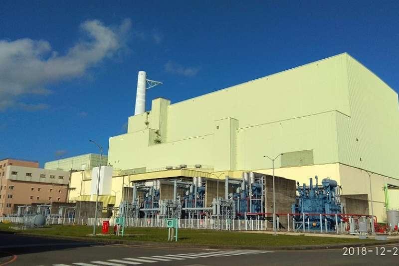 台灣放棄核四,不僅犧牲了2700 MW的無排碳發電裝置量,而且浪費了公帑3000億元。(胡僑華提供)