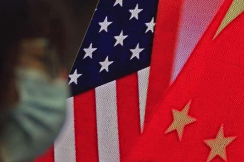 作者認為,如果中國停止武力逼迫,轉而對等的與台灣開展和平對話,將可為目前戰雲密布的美中爭霸,撥開雲霧見天日,帶來世界和平的先聲。(AP)