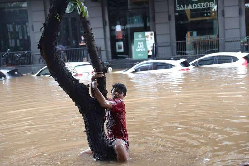 2021年2月,印尼首都雅加達水患。(AP)