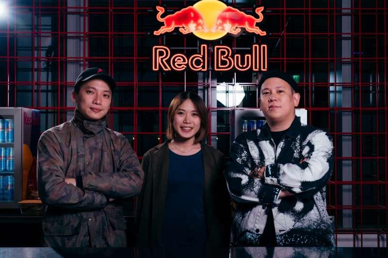 《Red Bull Bar Block 無夜城》策展團隊-(由左至右)張勳進(Jeffrey)、廖薏淳(Eva)、恩熙俊(MC Jeng)
