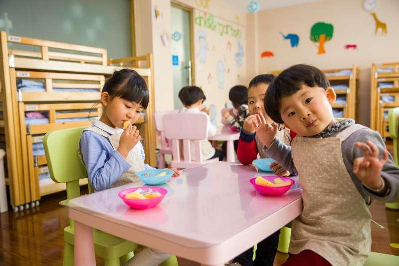 幼稚園選錯會對小孩的童年造成什麼樣的影響呢?父母面對眼花撩亂的幼兒園選項,到底該怎麼篩選才能讓孩子安心成長?(圖/取自Pexels)