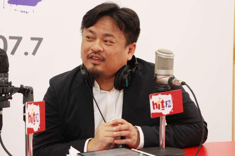 民進黨立委洪申翰10日接受廣播節目專訪。(Hit Fm《周玉蔻嗆新聞》製作單位提供)