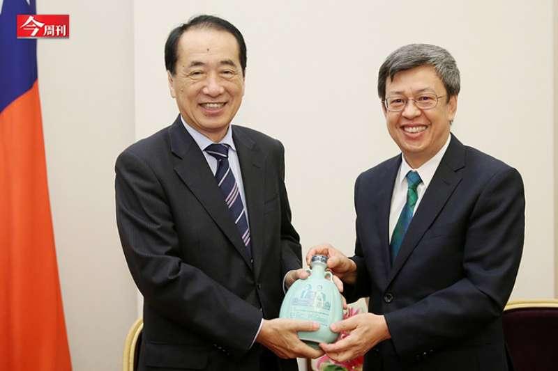 菅直人(左)為日本眾議院跨黨派議員聯盟「反核會」一員,在福島核災時擔任首相。(圖片來源:今周刊提供)