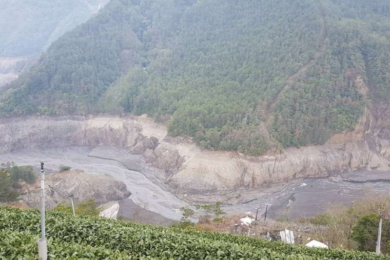 久旱不雨,台中目前實施「供5停2」分區供水,德基水庫蓄水量持續下降,11日僅剩4.8%。(讀者提供)