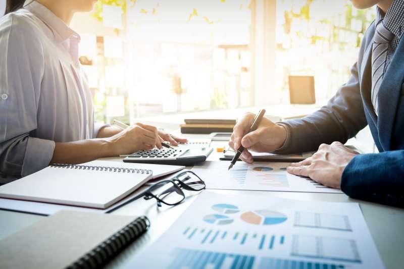 一般投資人應該放下『凡事都要自己來』的心態,由專業機構代勞,才是最有效率的做法!