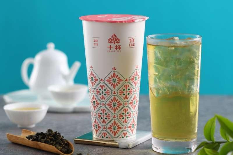 台灣農林與十杯跨界聯名,全新的杯身也別有特色。(圖/台灣農林提供)