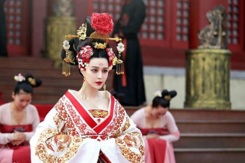 唐朝女人都怎麼穿呢?(圖/取自IMDb)