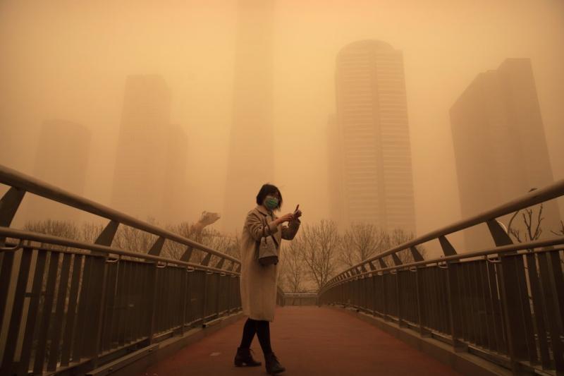 2021年3月,中國北京遭遇近10年最強沙塵暴。(資料照,美聯社)