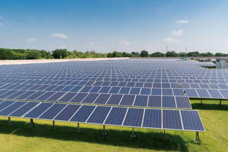 搶攻台灣第一型電業太陽能電廠,盛齊綠能新推優化器和特高壓監控系統。(圖/盛齊綠能提供)