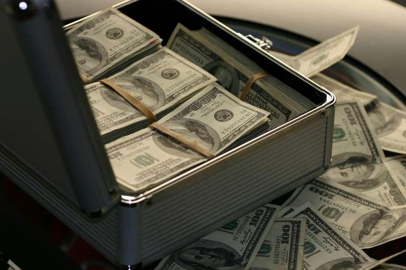 為什麼一般正常的理財建議無法讓人致富?關鍵在你選擇的理財路線。(圖/取自Pixabay)