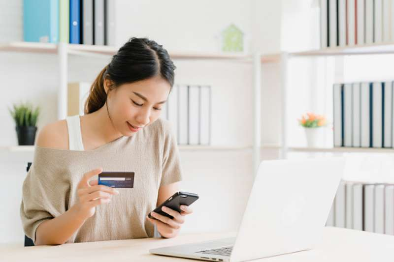 牛年來到,信用卡回饋優惠不勝枚舉。(圖/取自pixabay)