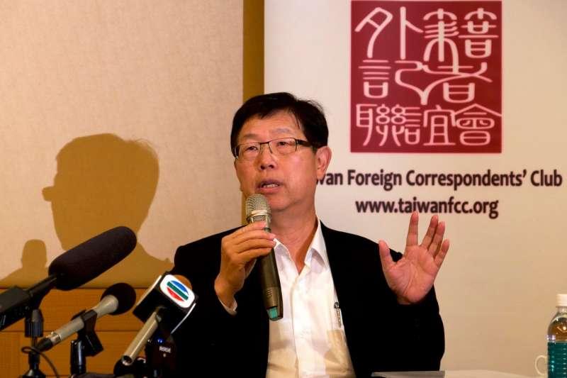 富士康董事長劉揚偉表示,組裝地的選擇是基於商業原因,而非政治原因。(AP)