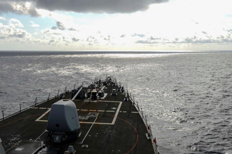 20210319-拉賽爾號2月17日航行南海執行自由航行行動。(取自U.S. 7th Fleet)