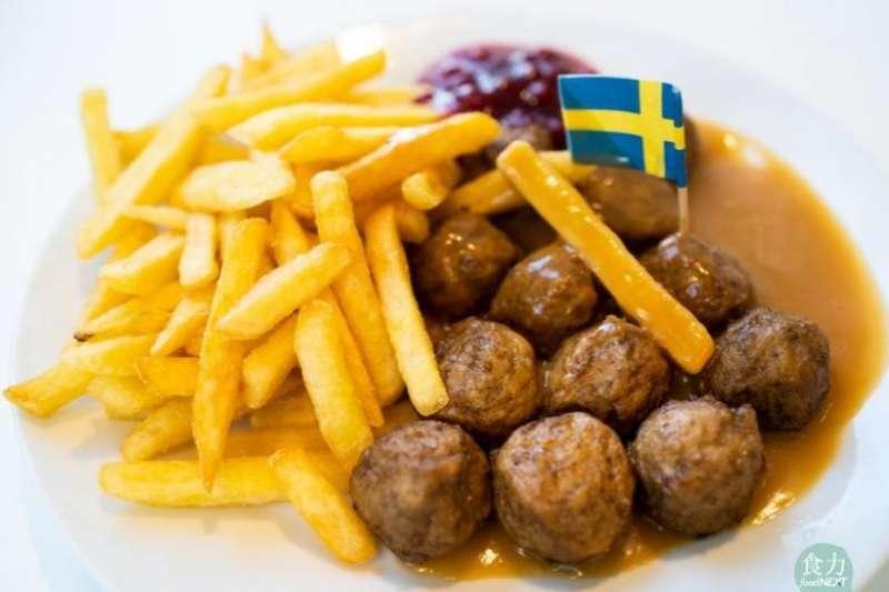IKEA宜家餐廳的招牌瑞典肉丸,全球銷量年銷10億顆。(圖/取自食力foodNEXT)