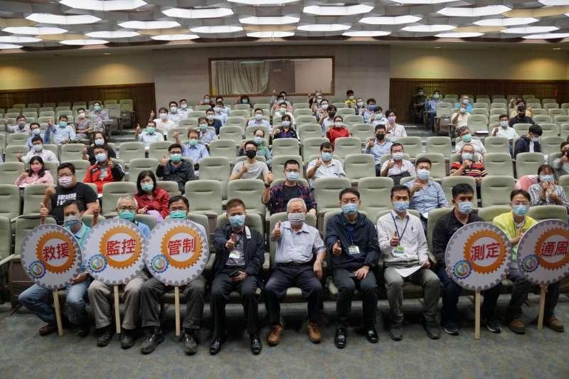 勞工局勞檢處舉辦4場作業安全宣導會,總計有273家業者單位共371人參加。(圖/高市勞工局提供)