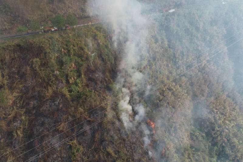 阿里山森林大火直升機搶救消防隊滅火嘉義公路火災(圖/林管處提供)