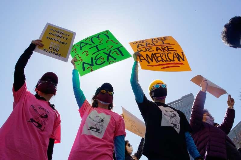 2021年3月16日,美國亞特蘭大槍擊案,6位亞裔女性遇害,震撼美國亞裔社會(AP)