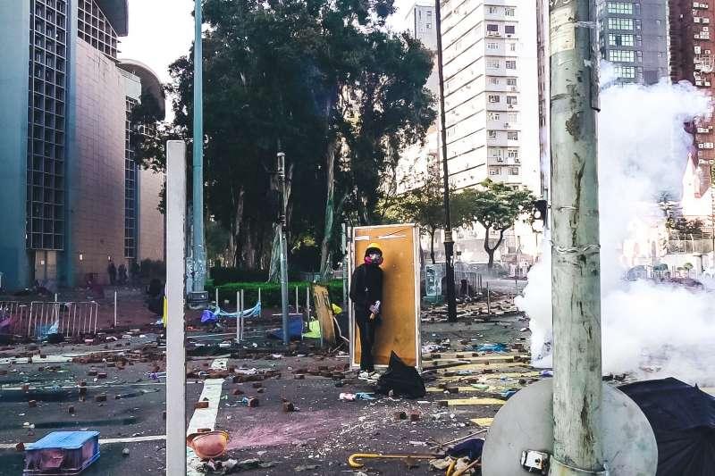 《理大圍城》劇照,紀錄港警包圍香港理工大學,與示威者大規模衝突。(TIDF提供)