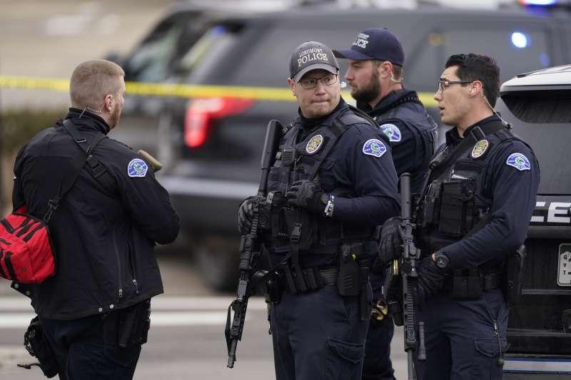 2021年3月22日,美國科羅拉多州大城波爾德(Boulder)發生槍擊案,造成多人死傷(AP)
