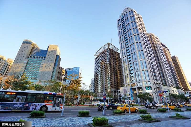 住展房屋網指出,拉開區內的地段率差距,才是更公平且能維持房市均衡發展的做法。(住展房屋網提供)