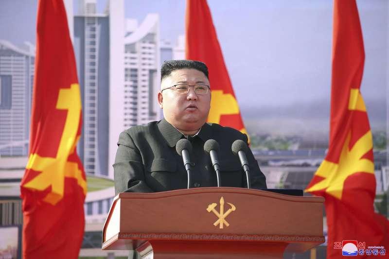 2021年3月23日,北韓最高領導人金正恩主持首都平壤一項住宅開發計劃(AP)