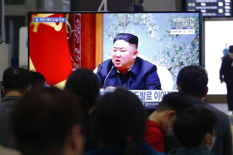 北韓25日上午再度發起軍事挑釁,在咸鏡南道咸州一帶向朝鮮半島東部海域發射2枚近程彈道飛彈。(美聯社)