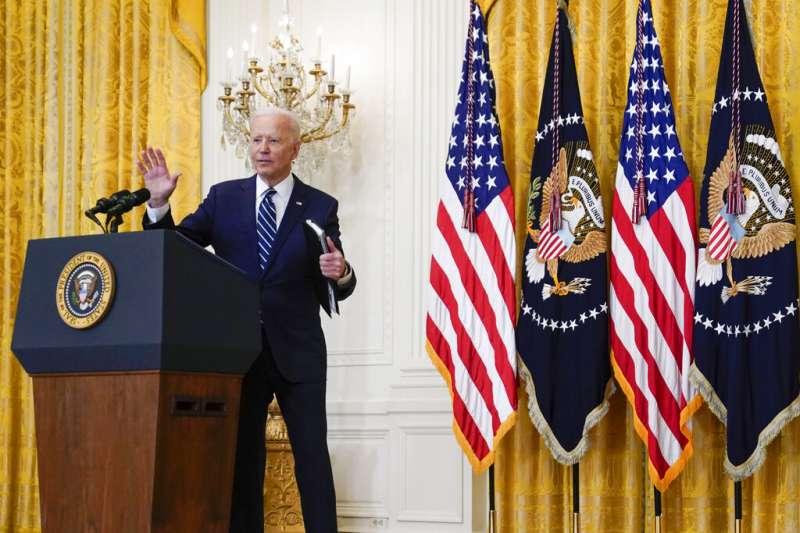 美國總統拜登3月25日舉行上任後第一場記者會。(美聯社)