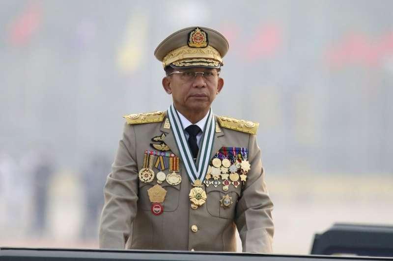 3月27日緬甸軍人節,安全部隊總司令敏昂萊發表演說。(美聯社)
