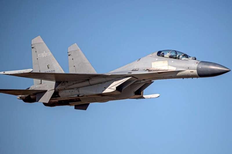 共機頻擾台,圖為殲16。(資料照,空軍司令部提供)