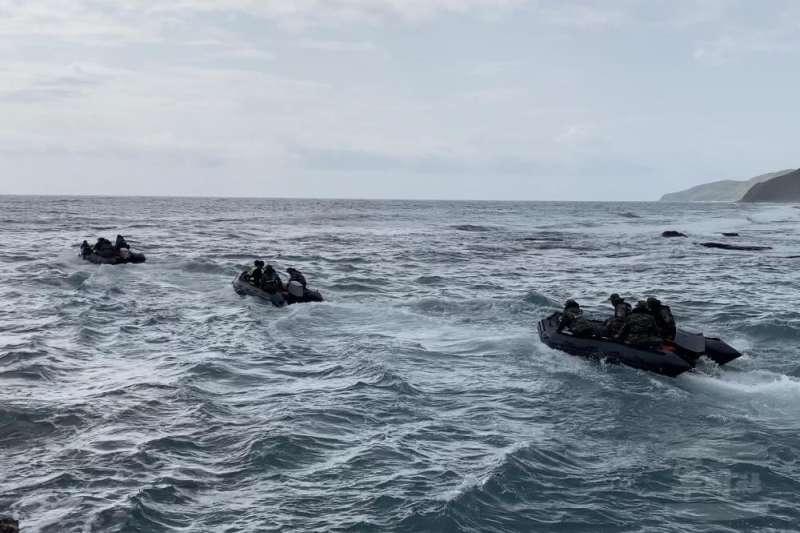 海軍司令部坦言這種小膠艇以海軍的岸置雷達或艦艇上的雷達來說,不容易發現。(示意圖/取自軍聞社)