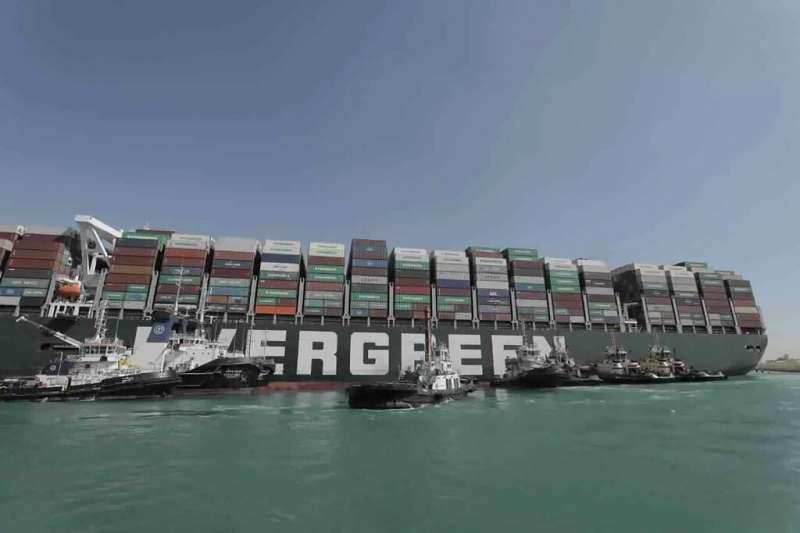 亞太地區強勁的貨運需求,可能延續整個第二季。馬士基指出主要影響有二:歐洲經由蘇伊士運河的運貨航線遭延宕,以及港口處理效率下降。(美聯社)