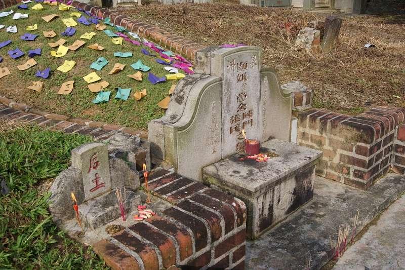 清明連假即將到來,與家人出門掃墓時13項注意事項一定要記得!(圖/取自維基百科)