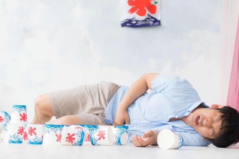 胃癌初期幾乎沒什麼症狀,如果家中有親戚發生胃癌,就應該維持每年1次胃鏡檢查。(圖/取自pakutaso)