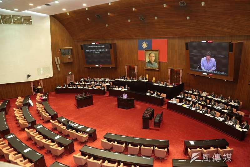 行政院25日再度將《菸害防制法》修正草案退回衛福部修改,再度延遲修法進展。 (示意圖,顏麟宇攝)